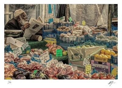 Fruit and veg vendor | Chapel Street Market - London | Ed 10 | Harry De Zitter