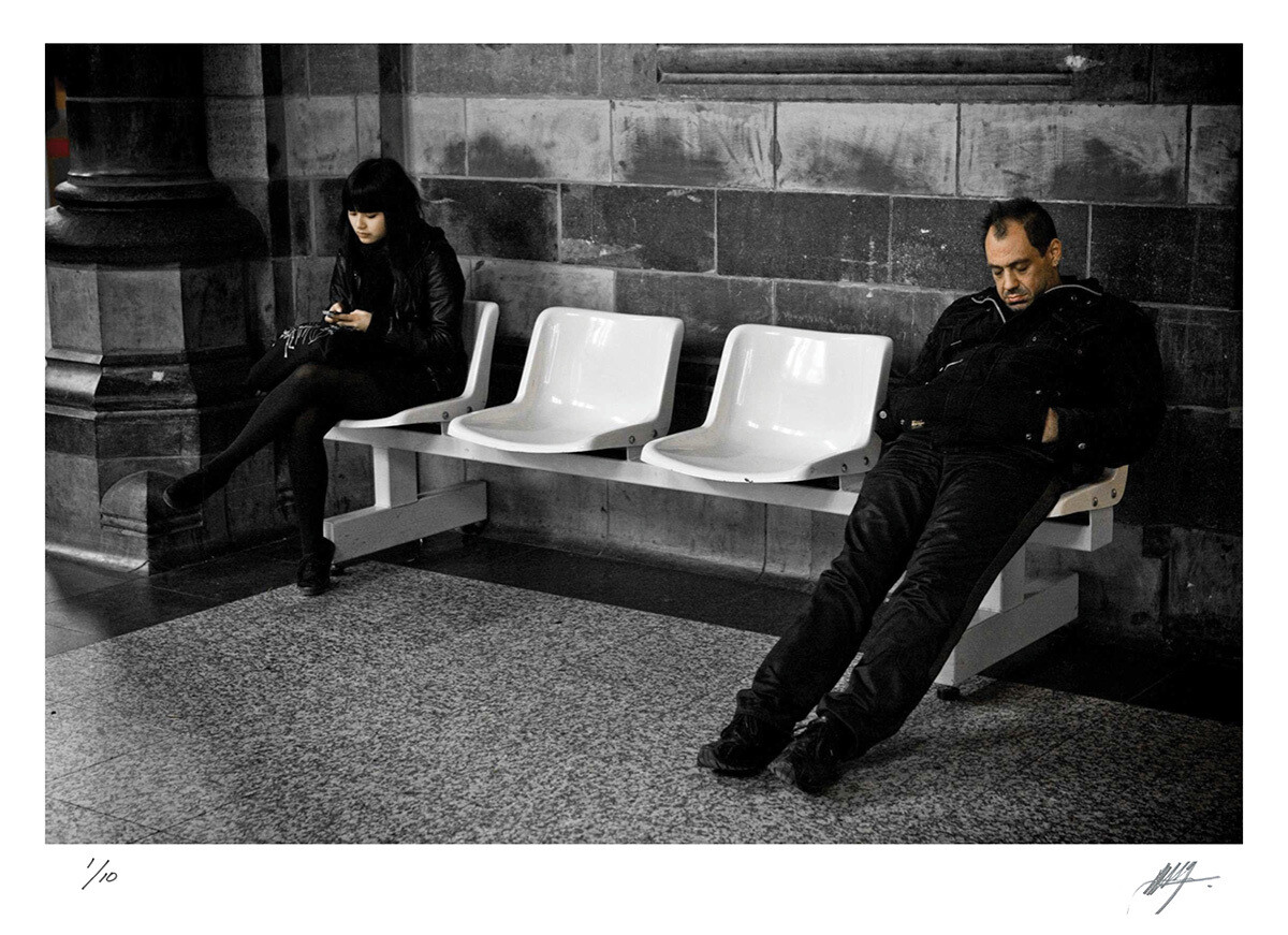 Waiting for a train | St. Peters station | Belgium | Edition 10 | Harry De Zitter | Harry De Zitter
