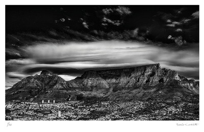 Moonrise over Table Mountain | Ed 20 | Peter Corbett