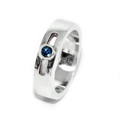 925 Women's Ring with 1 Blue Sapphire