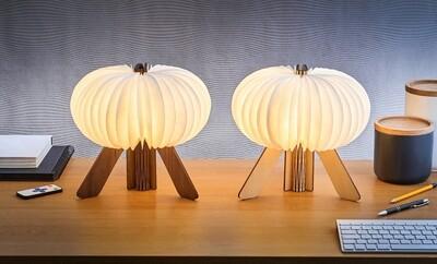 R Shape lampi dökkur viður