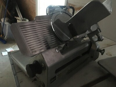 Globe 685 Deli Slicer Gravity Feed EUC CHEAP