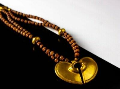 Collar Precolombino de Jaspe y Agata de 2 vueltas con Dije Nariquera Corazón