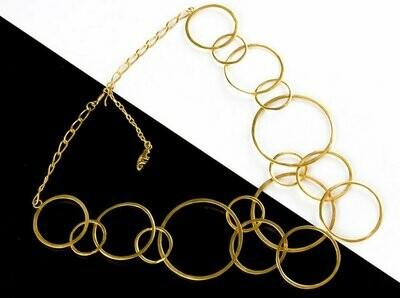 Collar precolombino dorado argollas diferentes tamaños