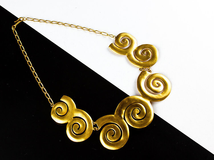 Cadena collar espirales