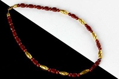 Collar precolombino corto sencillo jaspe y cuentas doradas