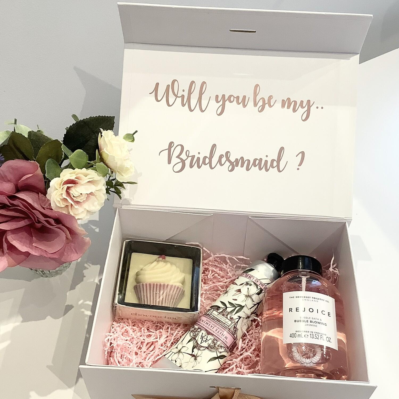 NEW..luxury pamper hamper gift box