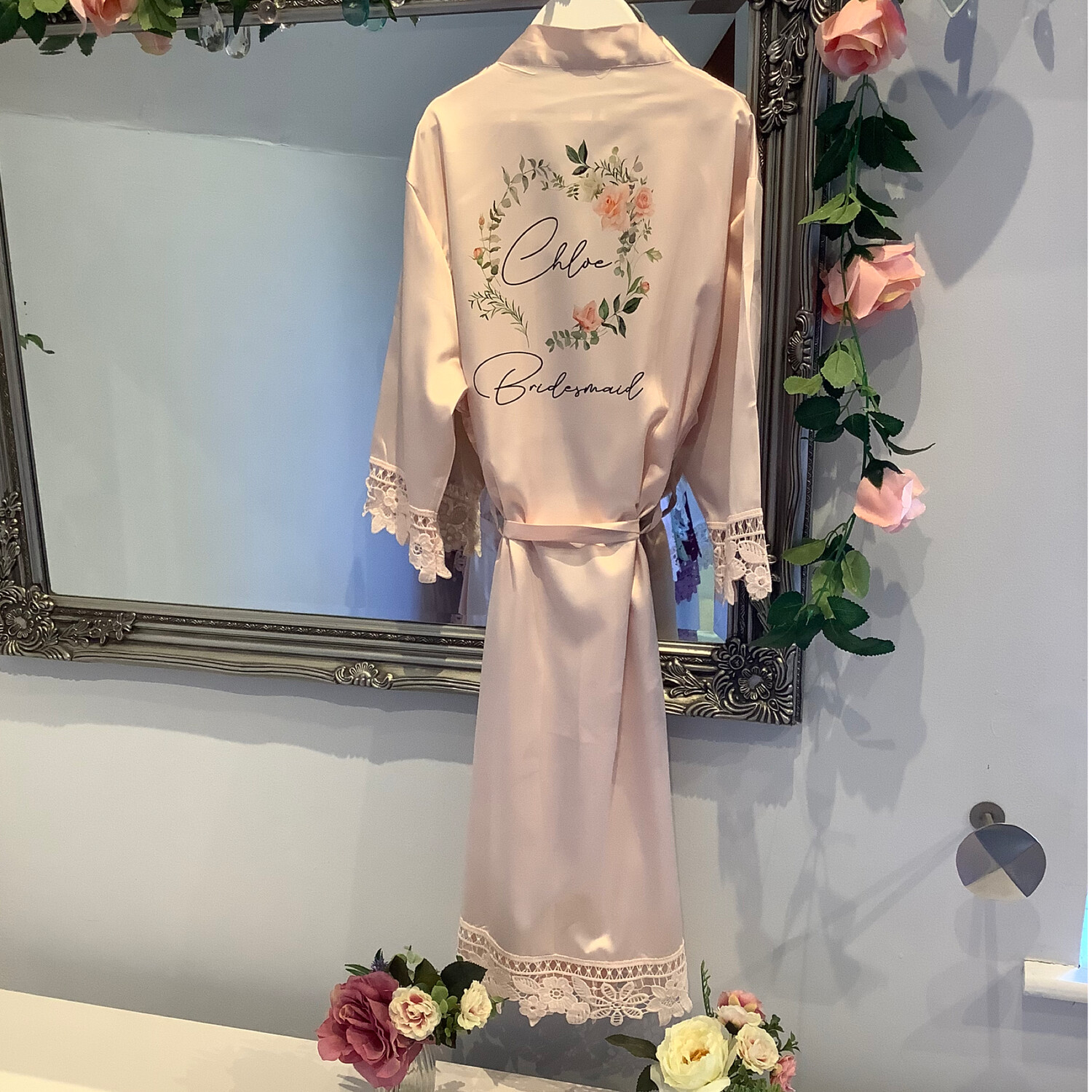CHLOE floral wreath design satin lace robe