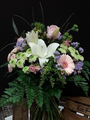 Ramo de flores variado en tonos pastel
