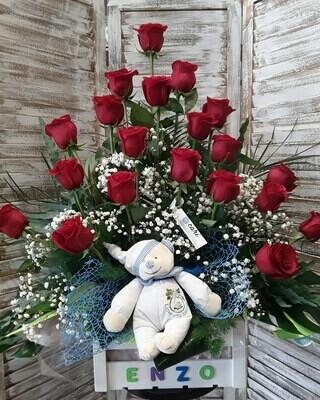 Centro de 20 rosas extra, personalizado en caja de madera