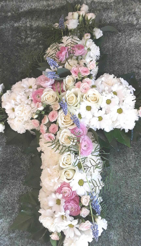 Cruz de flor natural