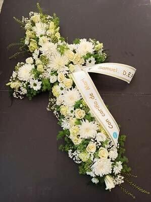 Cruz de flores básica, con cinta