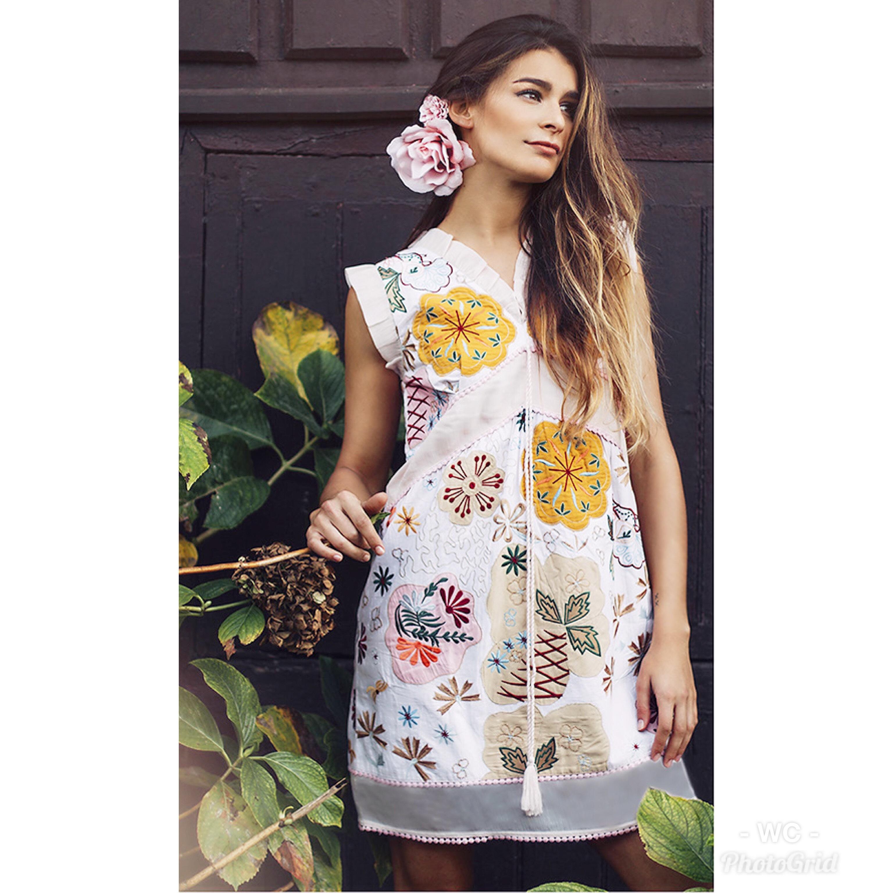 Shoklett: Pale Pink Rose Bouquet Jody Dress/Tunic SHOKLETT_01S19DR