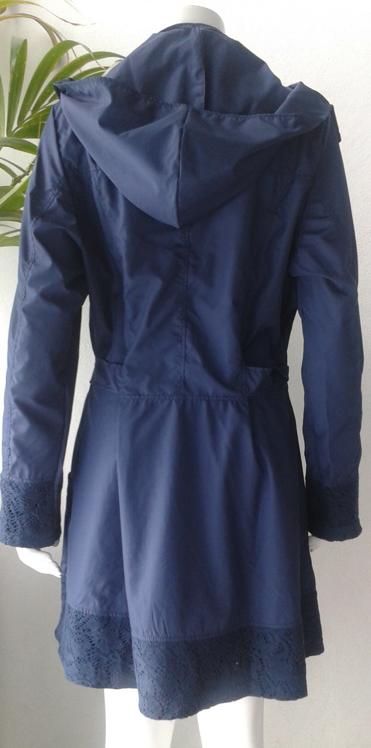 Rosette Cotton Rain Coat  indigo back