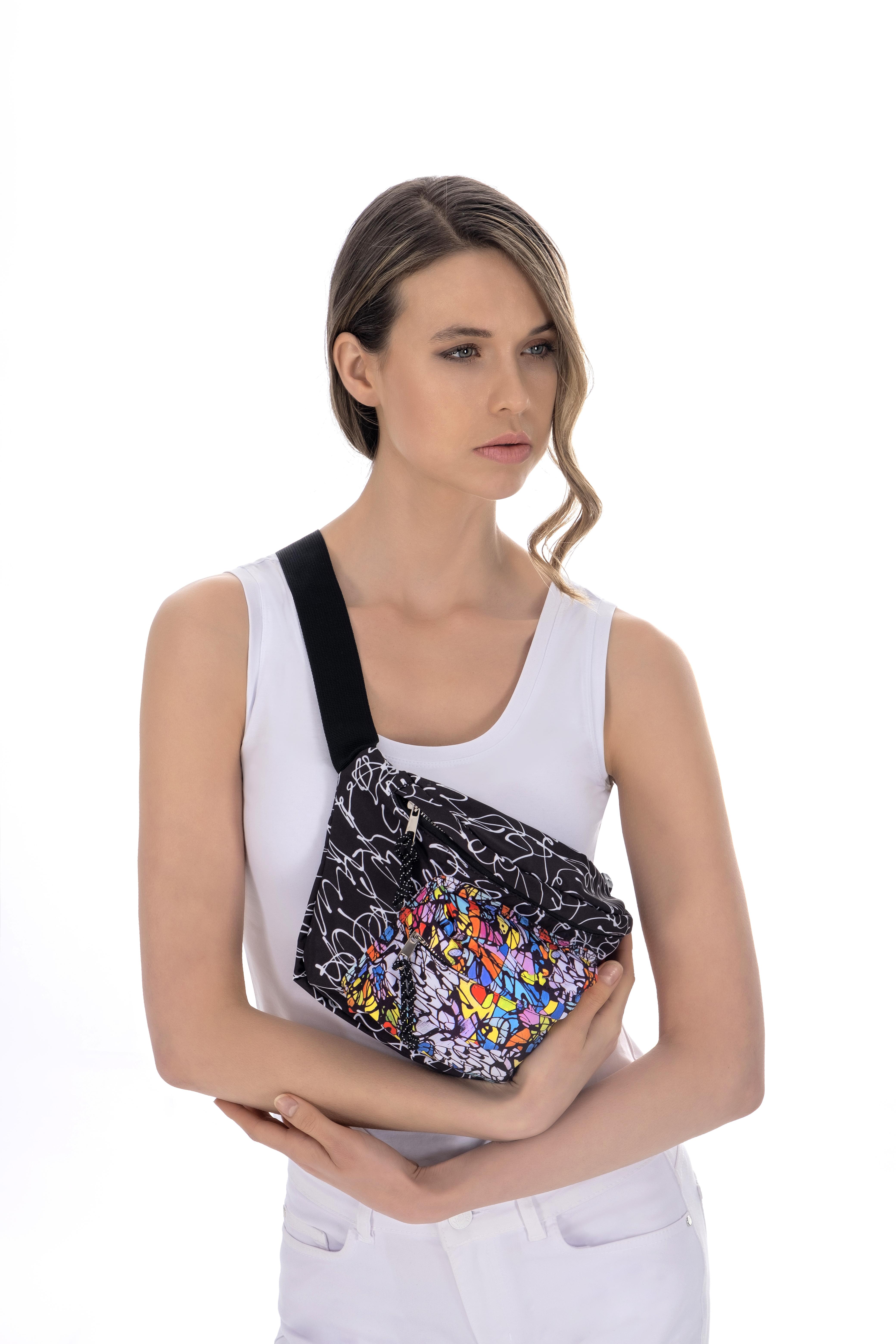 Simply Art Dolcezza: Black Board Abstract Art Belt Bag DOLCEZZA_SIMPLYART_21970_N