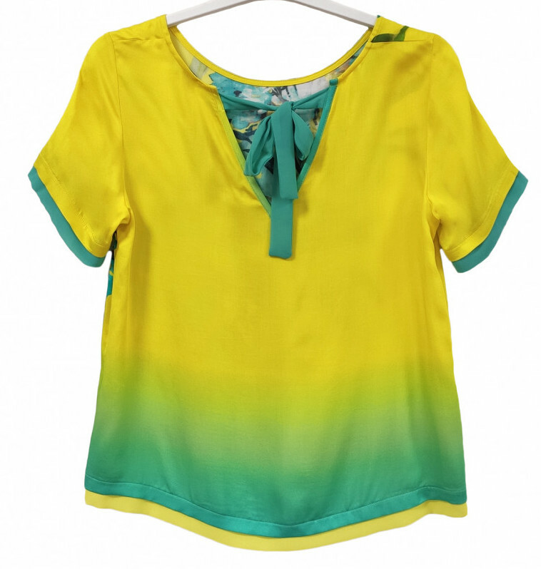 Paul Brial: Exquisite Blooms Of Maldives Back Ties Comfy T-Shirt