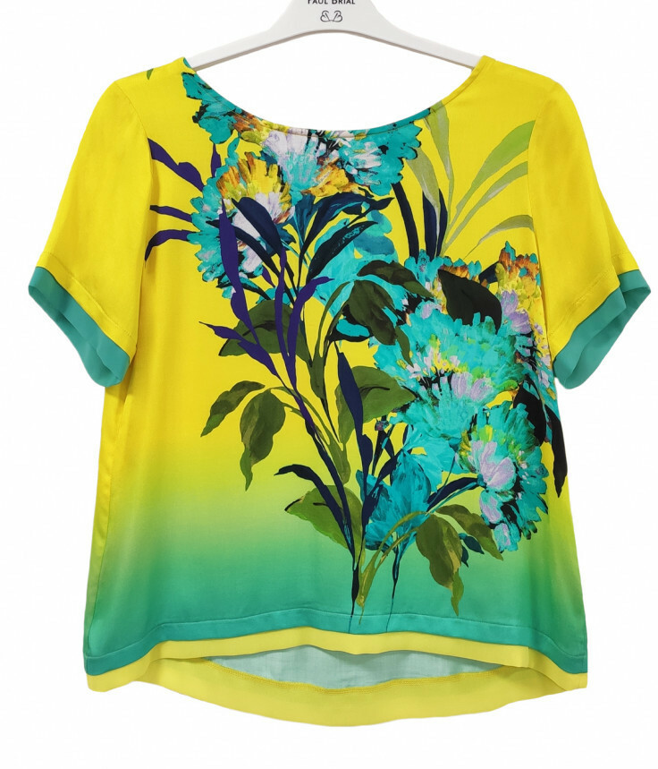 Paul Brial: Exquisite Blooms Of Maldives Back Ties Comfy T-Shirt PB_ATTOL_MALDIVE