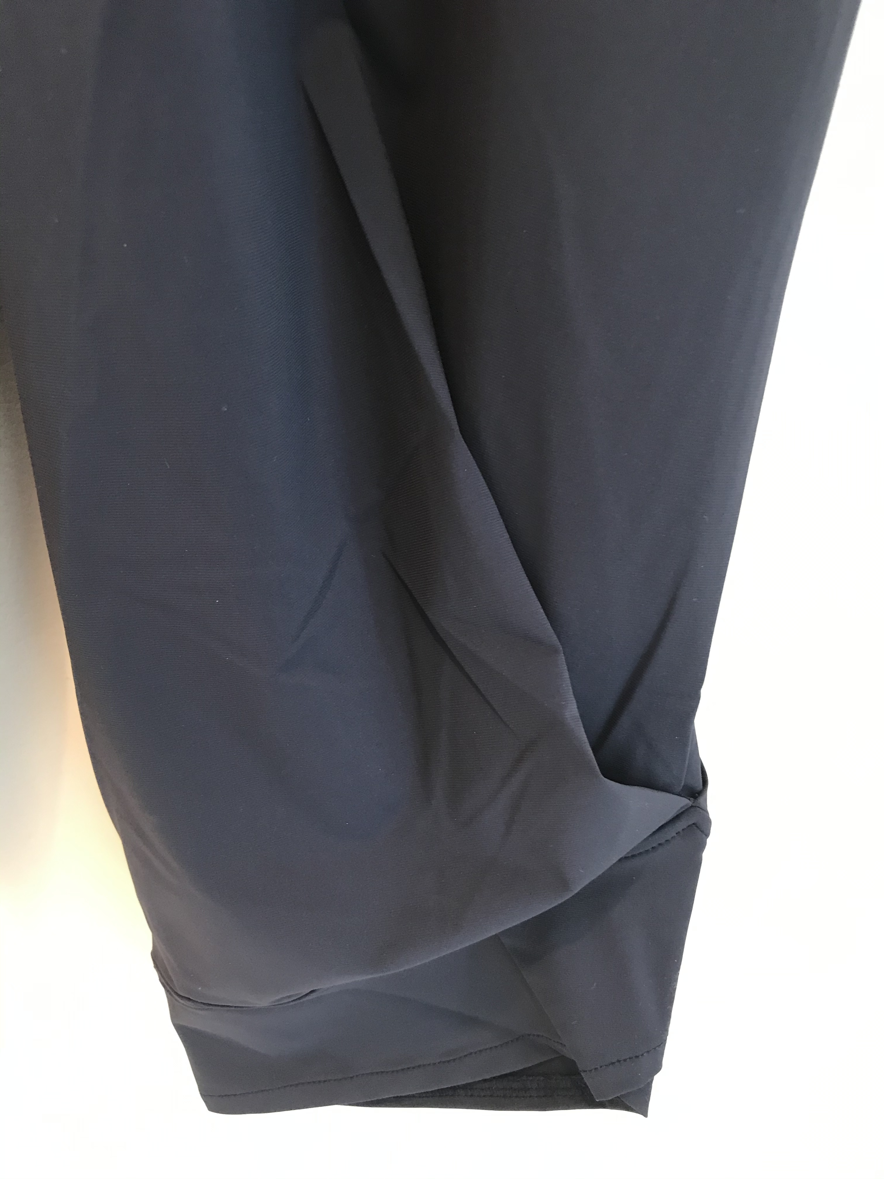 Maloka: Comfy Fit Tulip Cut Cropped Pants (More Colors!)