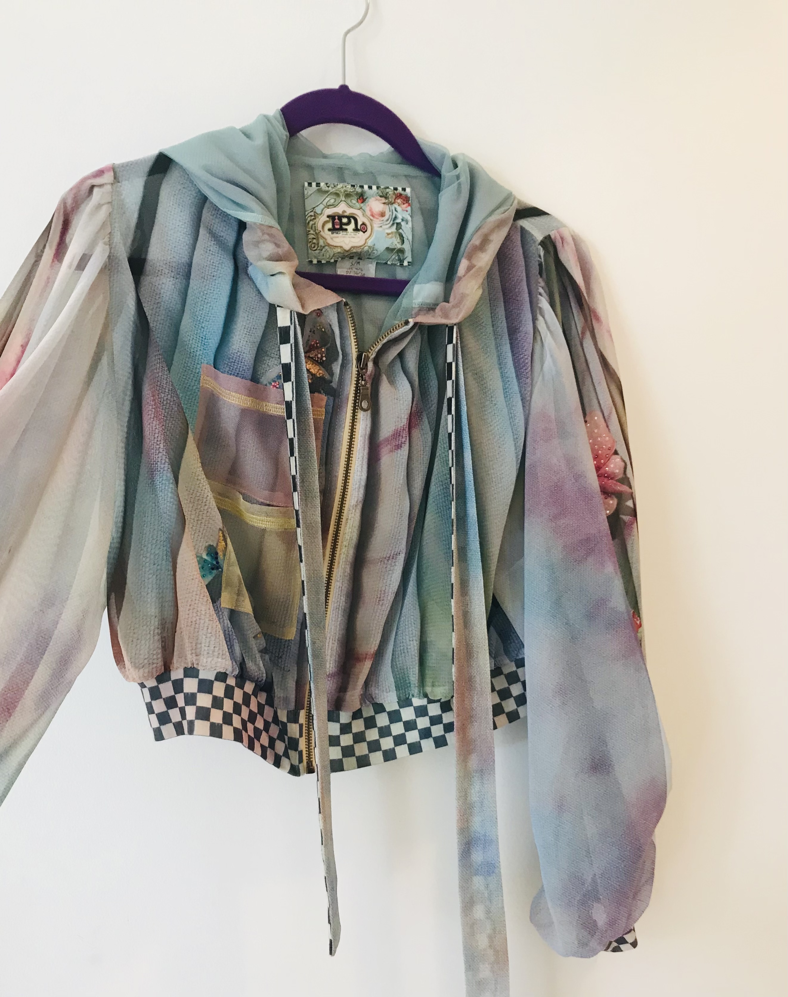 IPNG: Never Enough Color Orchid Illusion Hoody Puff Jacket