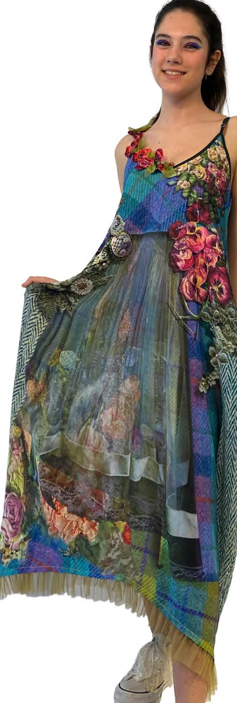 IPNG: Mood Of Flavour V Pocket Maxi Dress