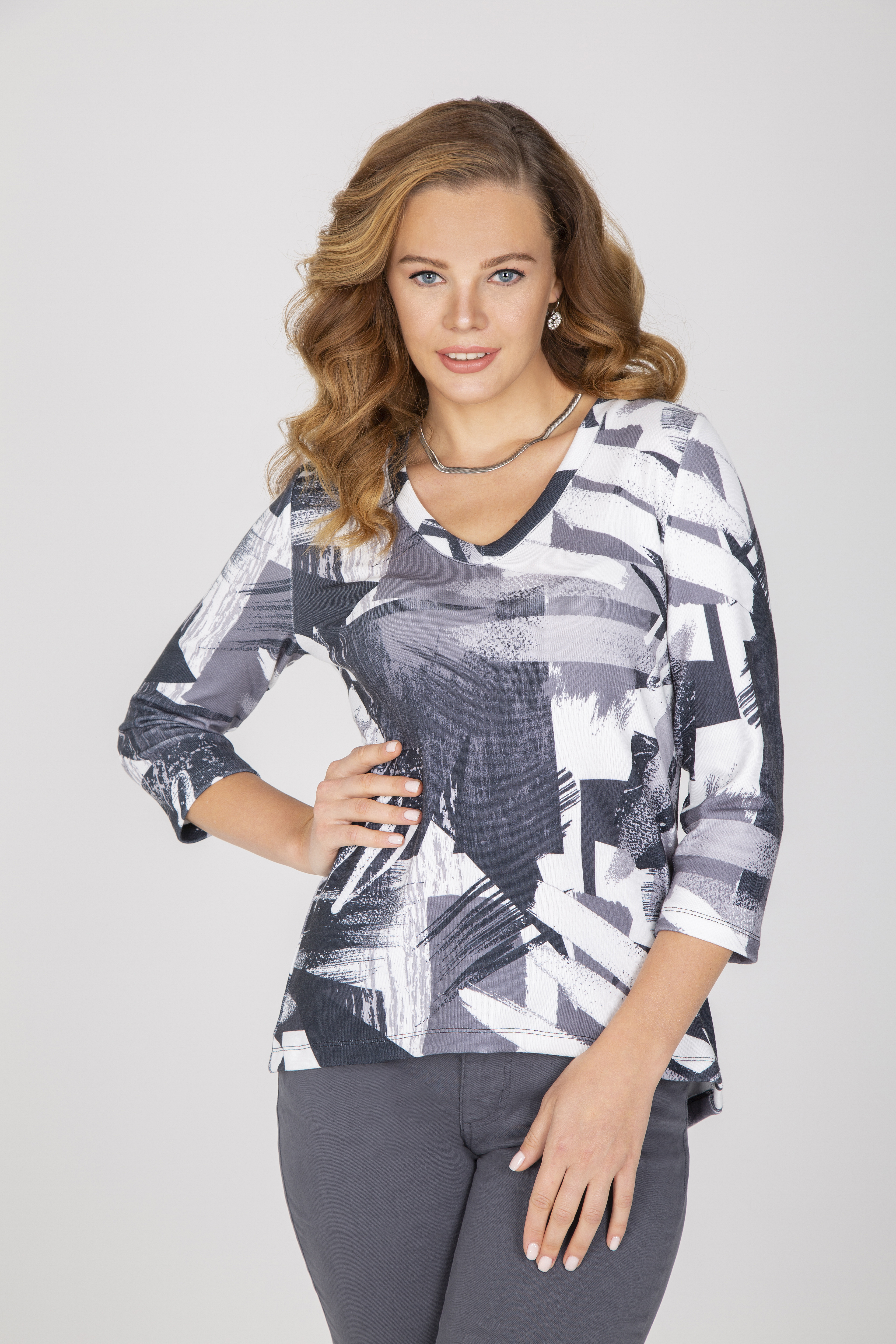 Simply Art Dolcezza: High Low Back Buttoned Abstract Layer No. 3 Art Tunic