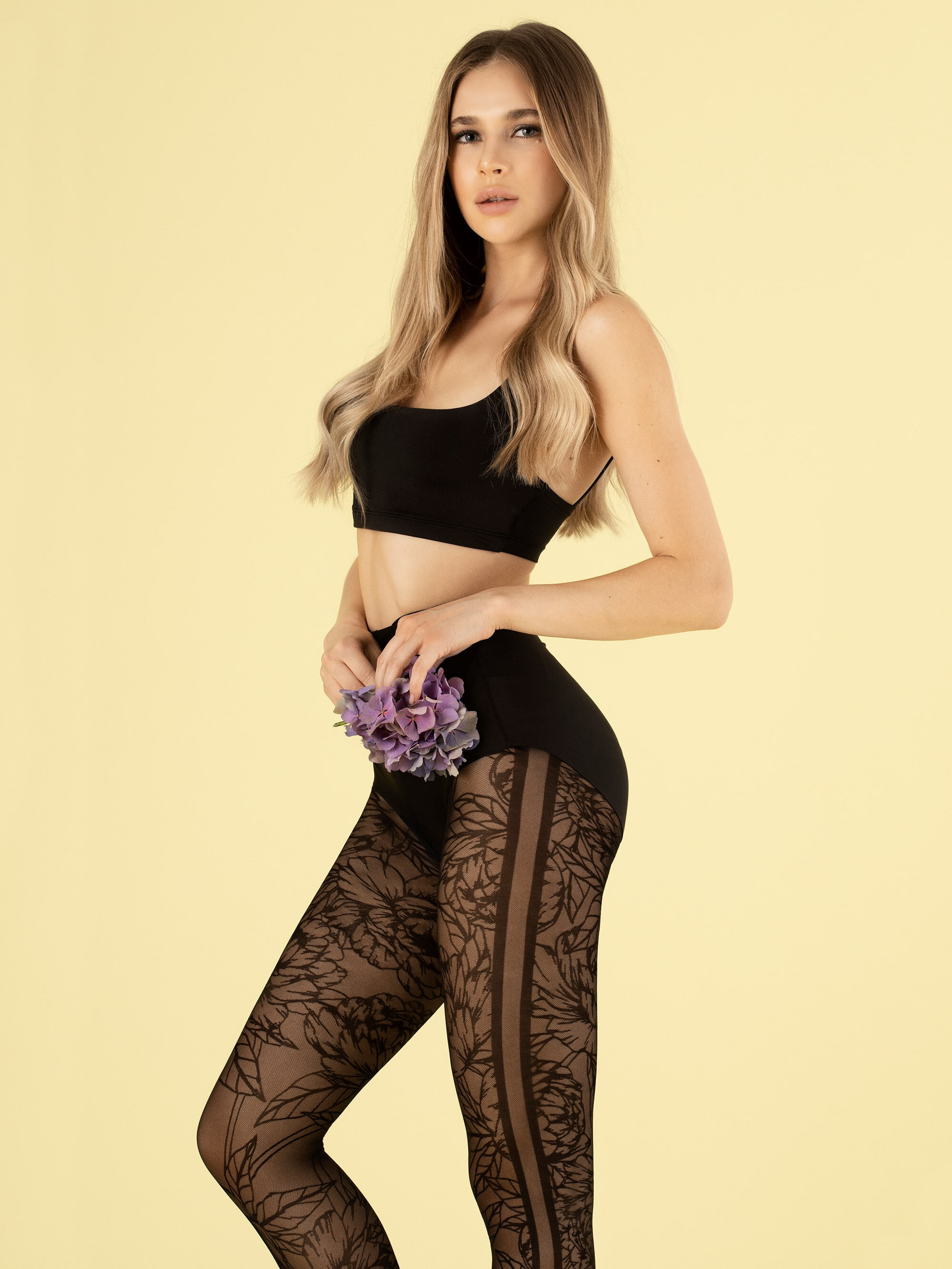Fiore: Lush Blooms 3D Patterned Tights Fio_lushgarden