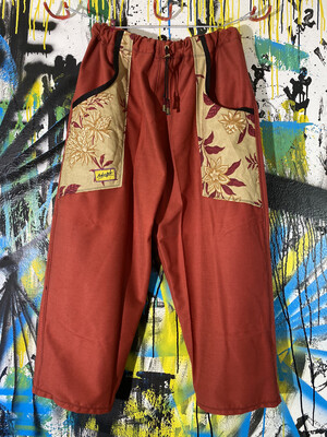 Daily Pants Sz. L Red/Floral