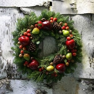 DELLA ROBIA WREATH (two sizes)