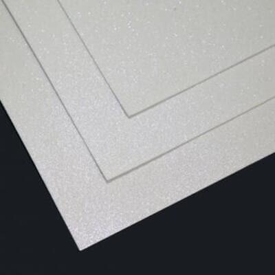 Фоамиран глиттерный 60х70 см толщина 1,5 мм МЕРЦАЮЩИЙ   (Белый с голубым блеском)