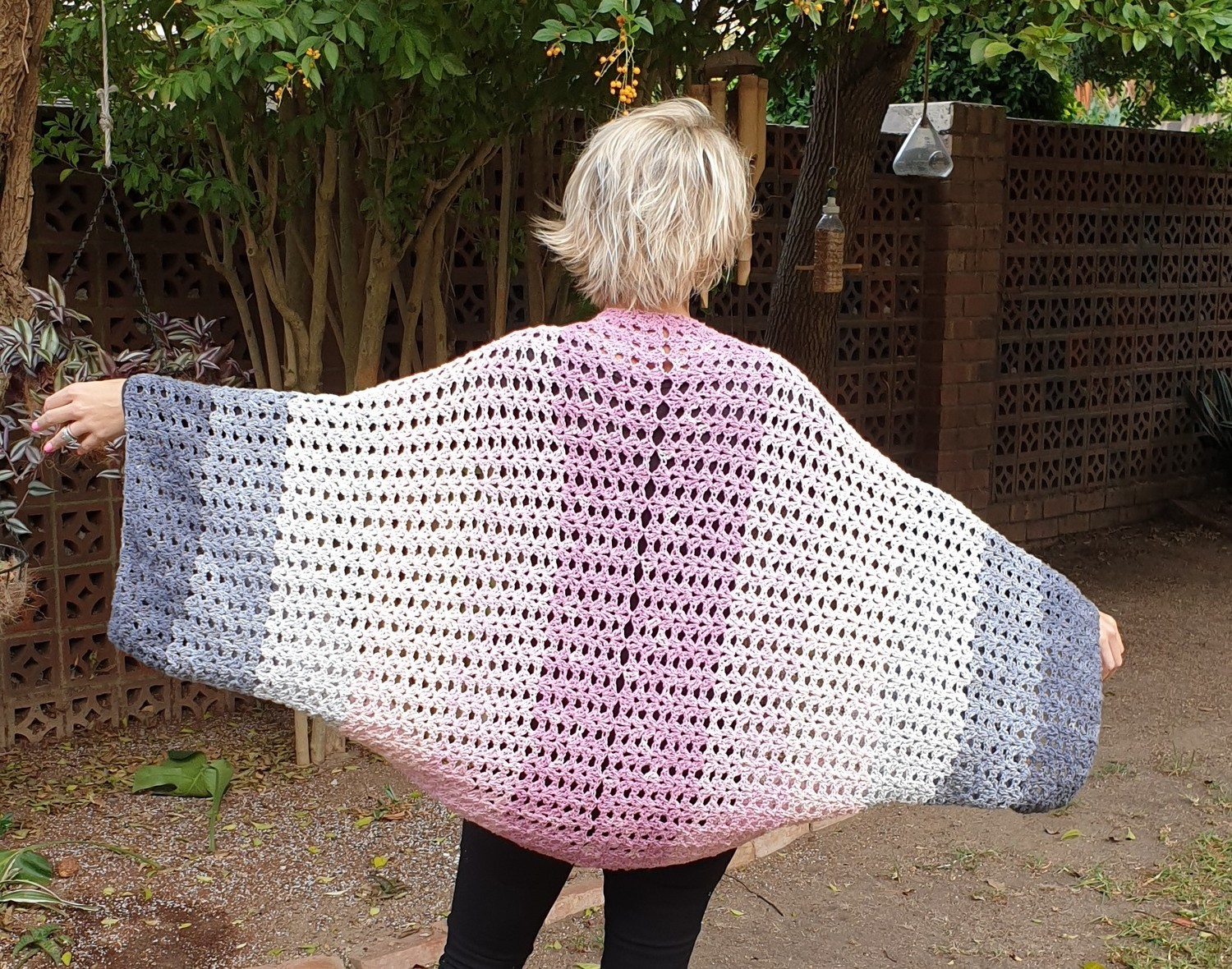 MoYa Papillon Shrug