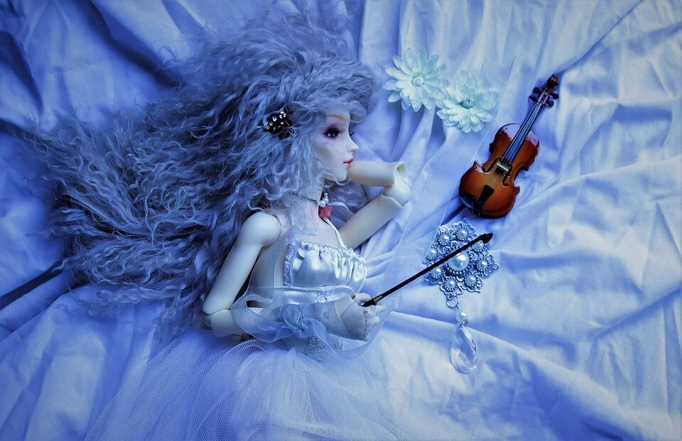Fairy girl with violin 🎻