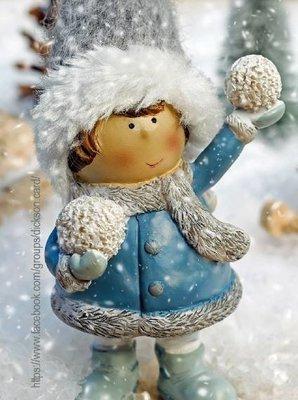 Postcard Christmas figure - a girl