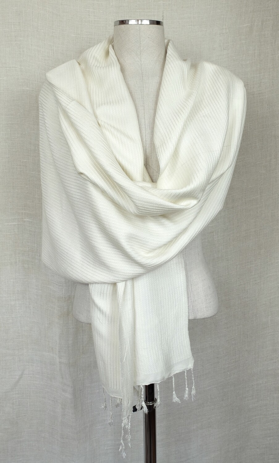 Dafayer Off White Shawl