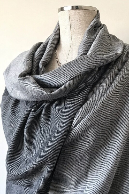 Doubleface Shawl Silver & Black, Viscose