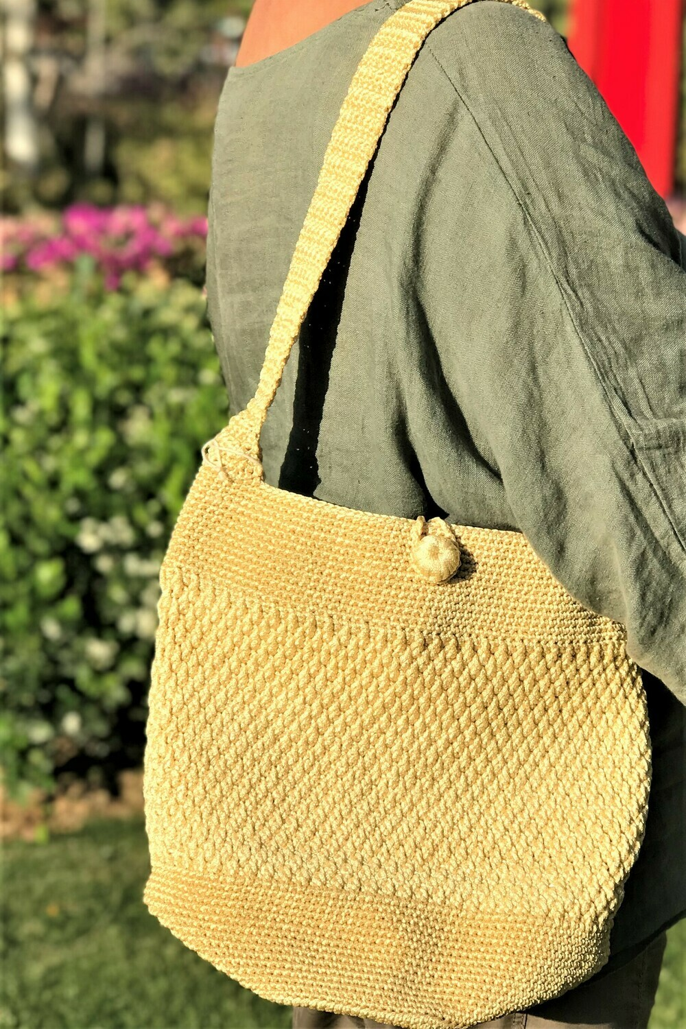 Crochet Shoulder Bag: Yellowish Cream with coin pouch