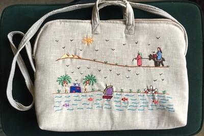 Laptop bag Light Grey:  Holy Family Goes to Egypt