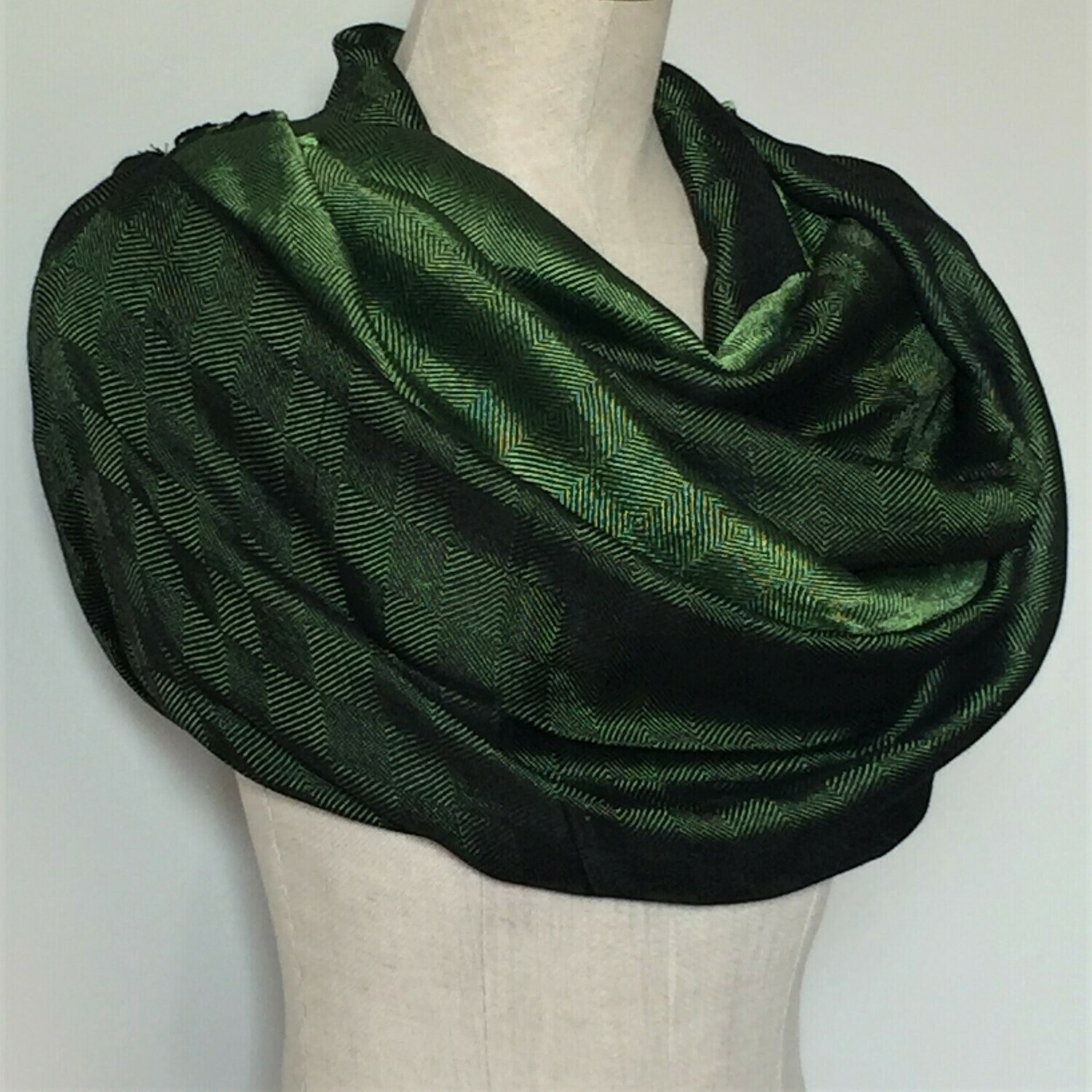 Double-face Shawl Silk Green & Black