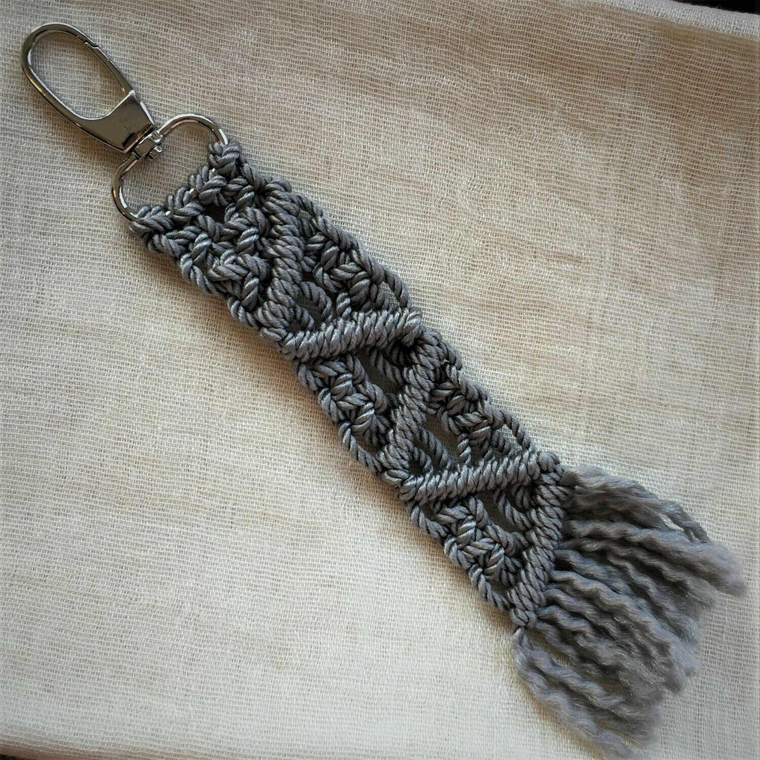 Keychain: hand made macramé, light grey