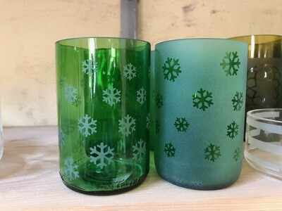 Set of 4 Green Christmas Glasses Stars