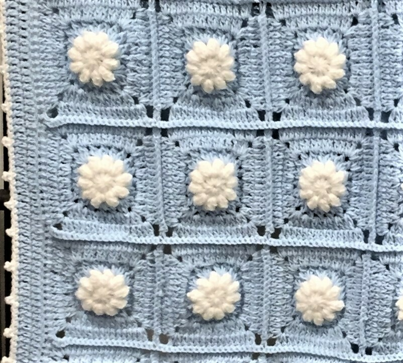 Baby blankets White flower in Blue square