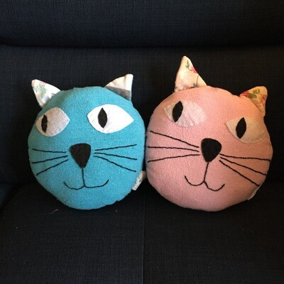 Toy: Pair of small cat pillows, pink & blue