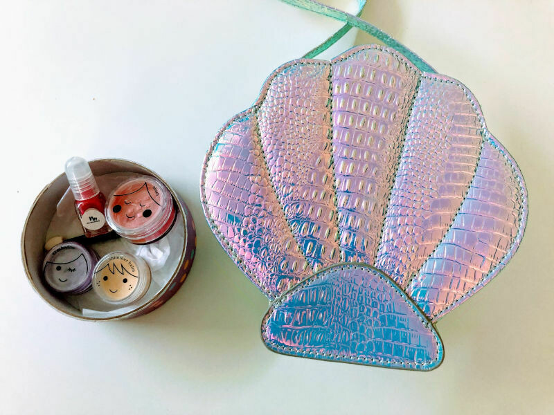 Play Makeup Gift Bag - Silver Clam Shell