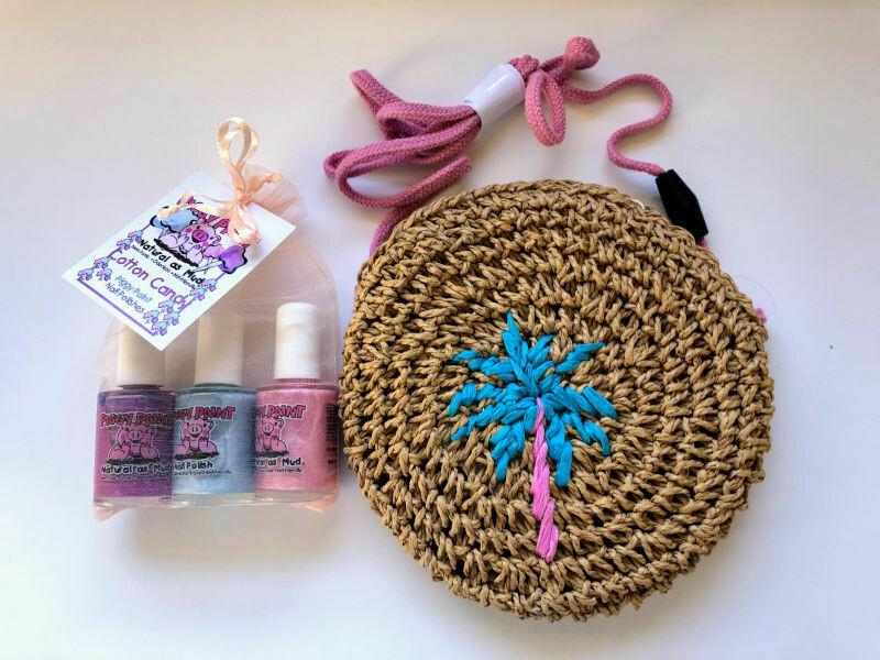 Play Makeup Gift Bag - Straw Palm Tree Piggy Paint