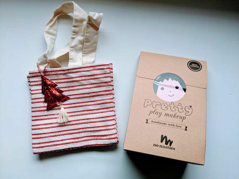 Christmas Red Gift Bag - Nisha