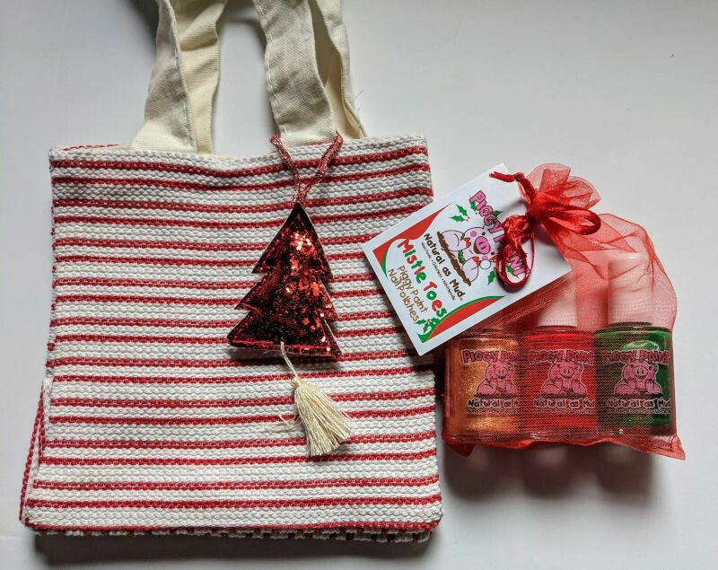Red Gift Bag - Mistle Toes
