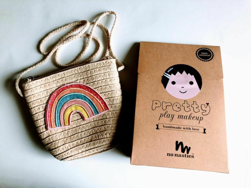 Play Makeup Gift Bag - Straw Rainbow