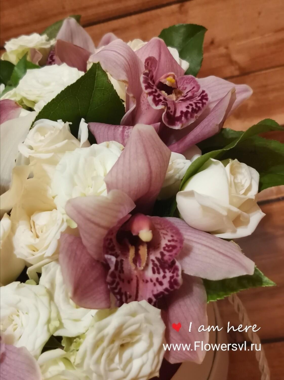 Орхидеи с розой