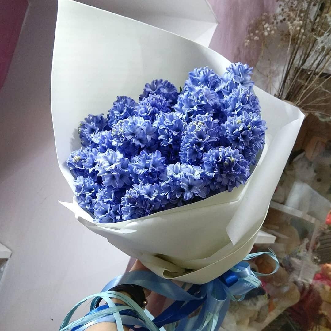 Букет синих гиацинтов