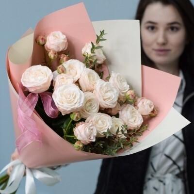 5 кустовых пионовидных роз