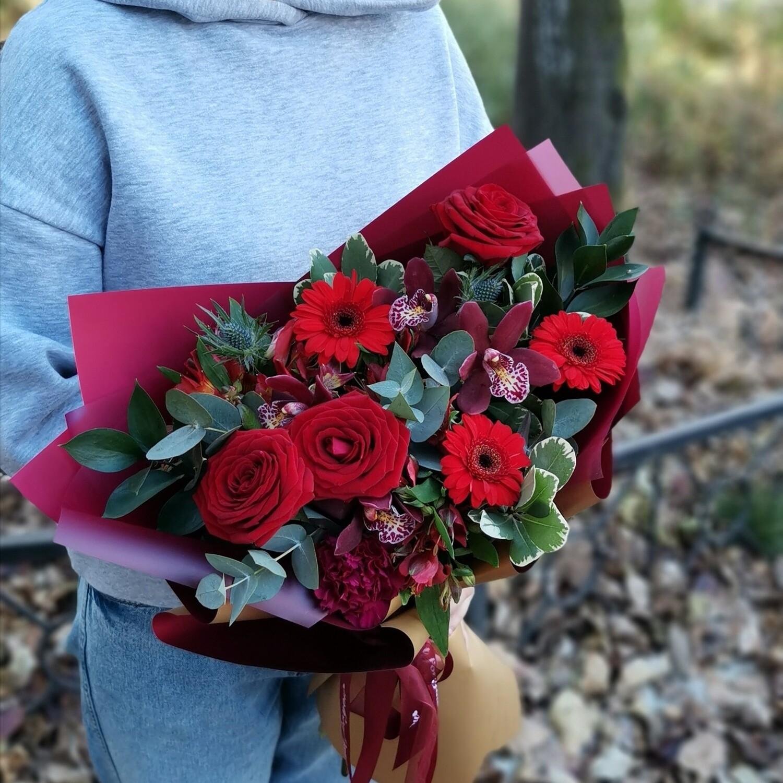 Букет в красном цвете
